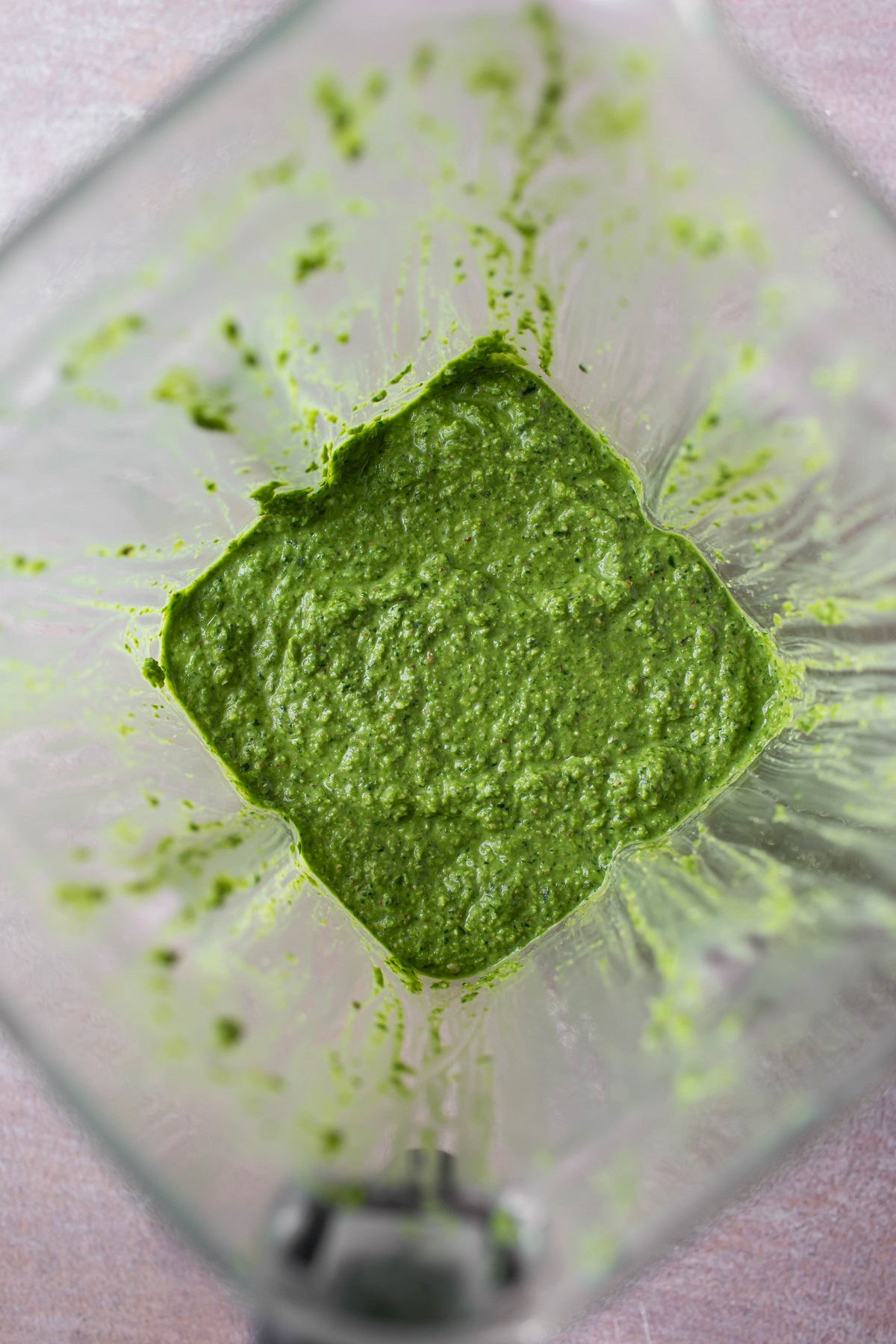 vegan spinach pesto in vitamix blended up