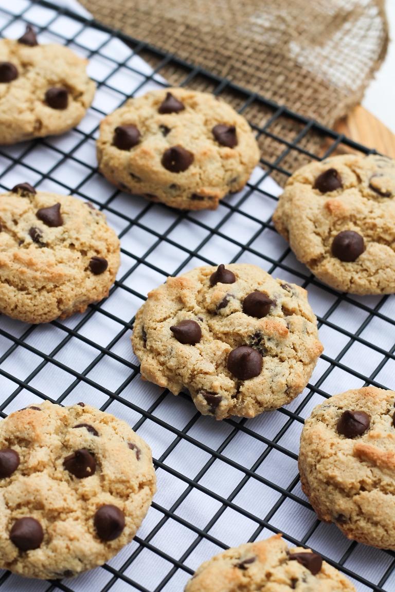 Perfect Vegan Chocolate Chip Cookies | The Vegan 8