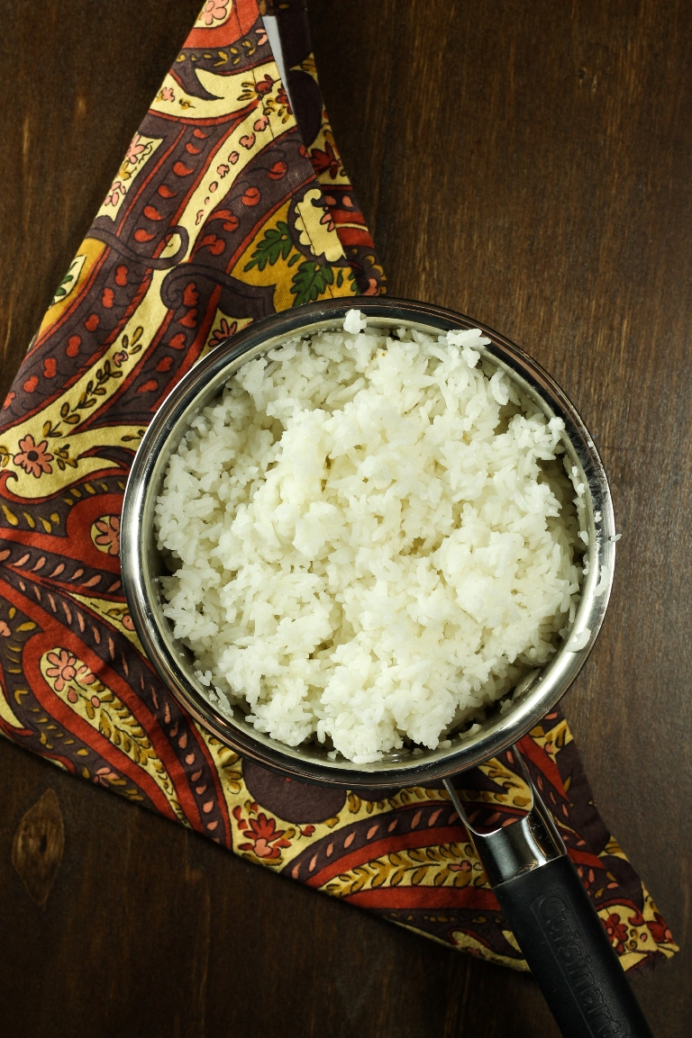 Pot of fluffy white rice
