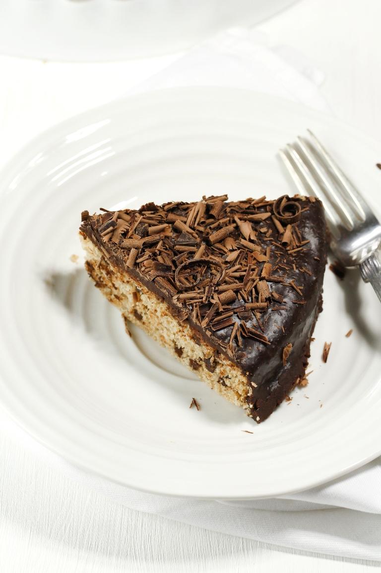 Vegan Gluten-Free Vanilla Chocolate Chip Cake | The Vegan 8