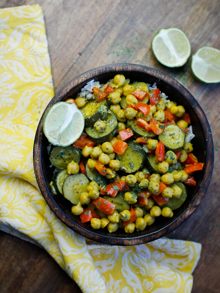 Bowl of easy vegan curry of chickpeas and zucchini