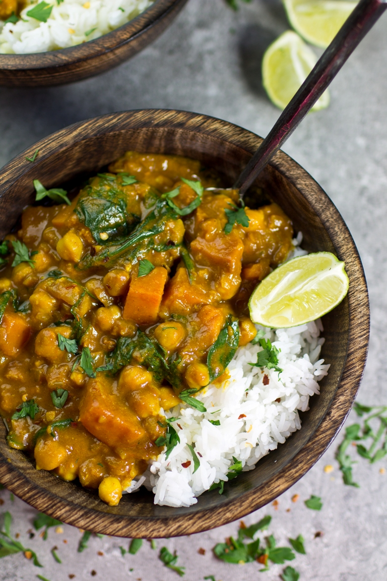 Vegan sweet potato chickpea spinach coconut curry the vegan 8 recipe image forumfinder Images