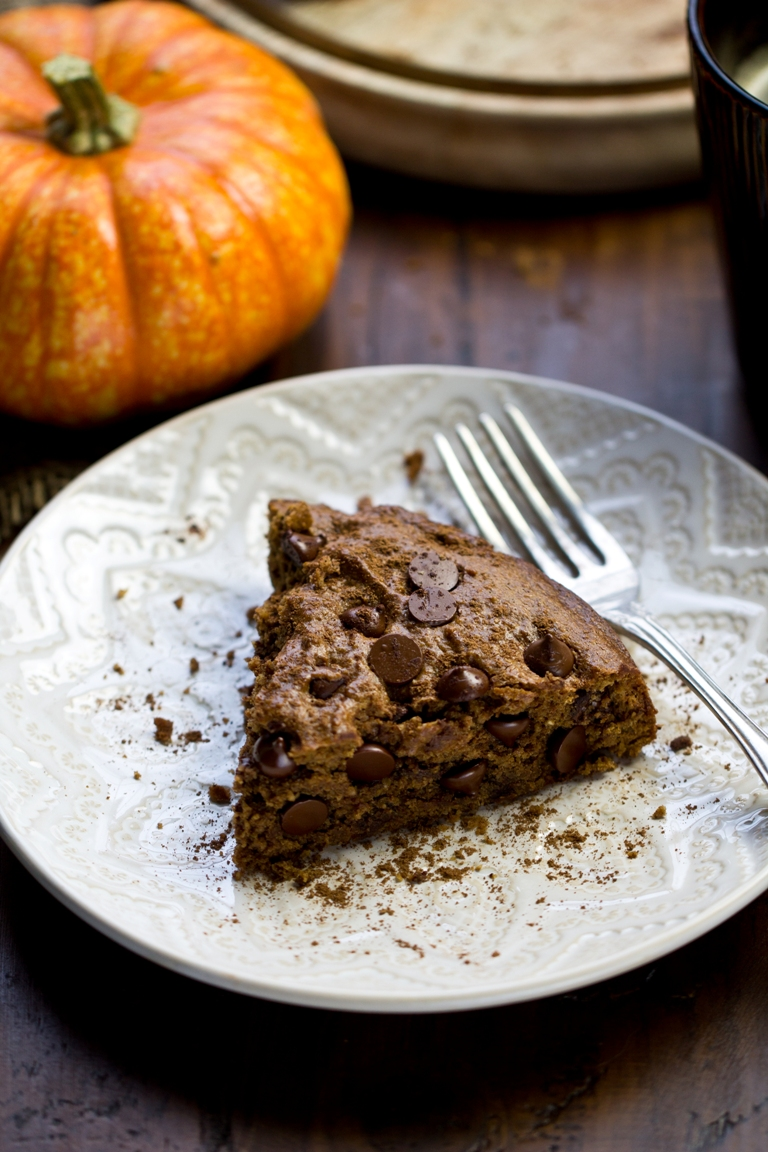 Vegan Pumpkin Spice Chocolate Chip Cookie Cake | The Vegan 8