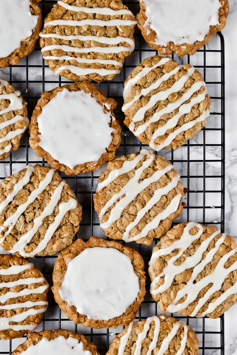 Vegan Old-Fashioned Iced Oatmeal Cookies | The Vegan 8