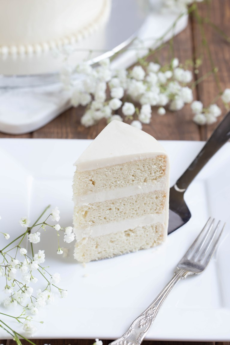 How to Make a Vegan Vanilla Wedding Cake | The Vegan 8