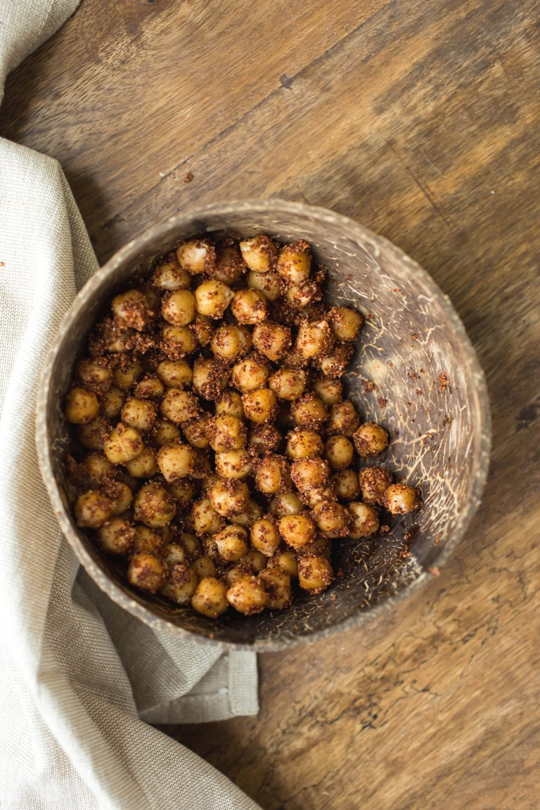 Bowl of oil-free spicy smoky chipotle chickpeas.
