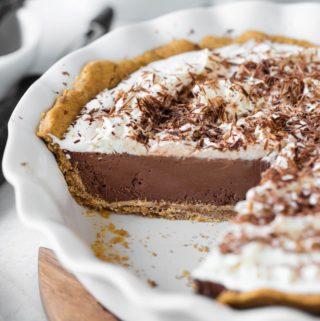 inside view of vegan chocolate cream pie