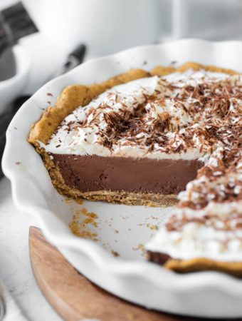 inside view of vegan chocolate cream pie