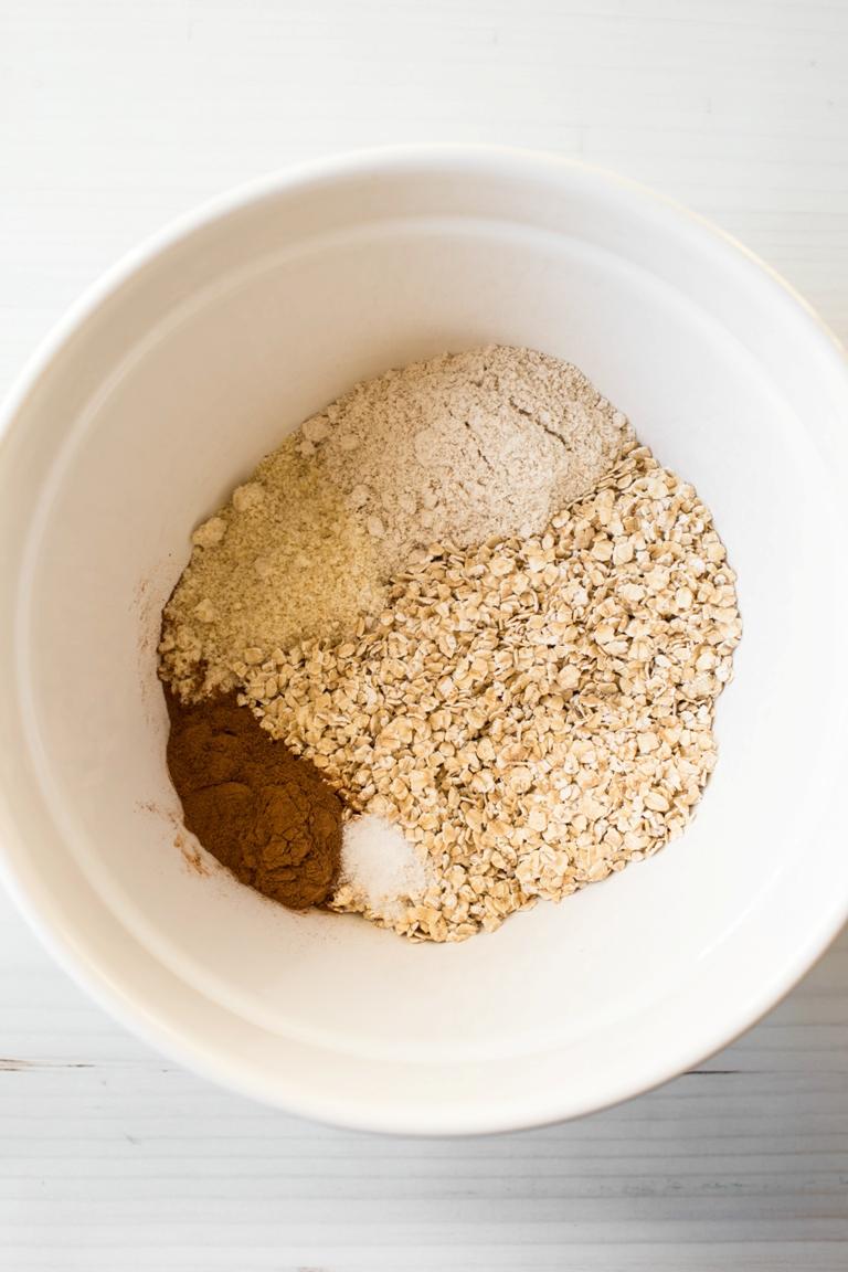 chocolate chip granola bar dry ingredients
