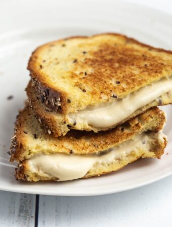 grilled cheese sandwich with oozing mozzarella